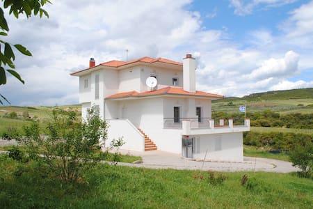 Stylish villa in Salonica's nature - Άγιος Αντώνιος - Villa