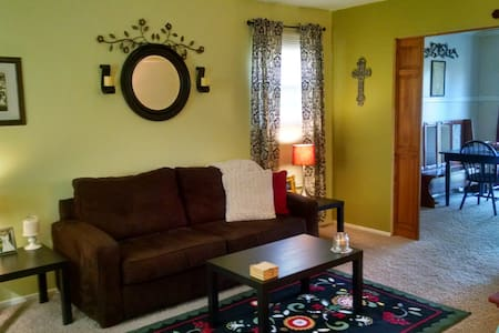 Furnished Room in South KC Home
