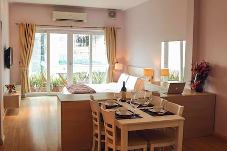 Horse Studio - Central of Saigon - Apartemen