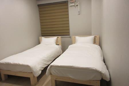 제이제이스테이 2인실 I(JJ_Stay twin room) - Bed & Breakfast