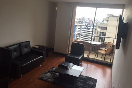Suit cerca de área de negocios - Quito
