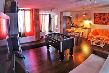 Gorgeous Spacious Penthouse - Apartament