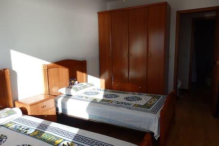 Habitación con 2 camas, vistas, desayuno y yoga. - Miño - Altres