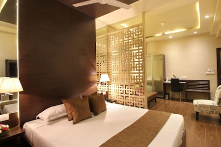 Suite Stay @ Nampally - Hyderabad - Bed & Breakfast