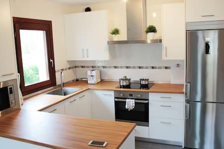 Nueva casa adosada/Nouvelle maison - Casa