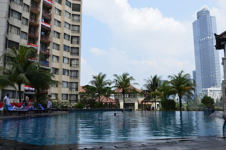 Wonderful Spacious 2 Bed Rm Apartment in Kuningan - Sawah Besar - Wohnung