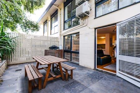 UrbanMinder @ Westbury - Apartment