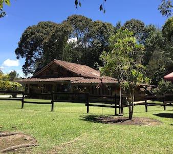 La Casa de los Chilcos - Rodeada de naturaleza - Rionegro