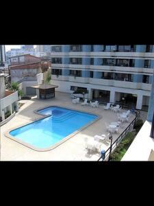 Apto Luxo 1 Quarto na Barra. Praia a 100 metros - Salvador - Apartamento