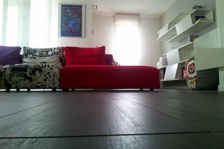 Camera in appartamento vicino Milan