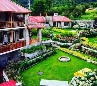 Heaven on Earth...The Amrit Manali - Manali - House