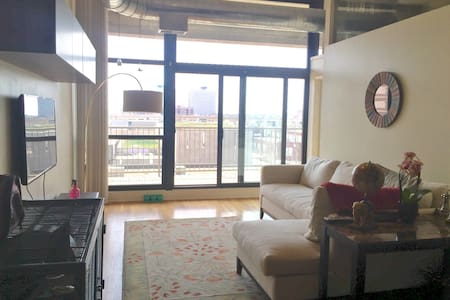 Bright 2bd loft in the South Loop - Chicago