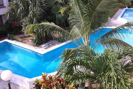 WELCOMING SINGLE ROOM, DOWNTOWN mi casa es tu casa - Cancun - Casa