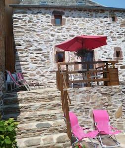 les balcons de l'Aubrac - Haus