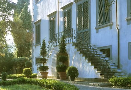 Villa Michelucci Retreat - Lucca