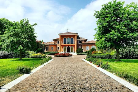 Villa Devin - Bed & Breakfast