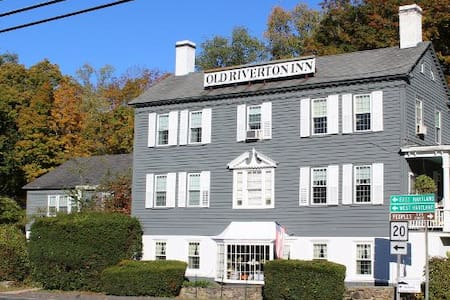 Old Riverton Inn Bed and Breakfast - Barkhamsted - Bed & Breakfast