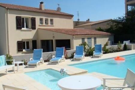 Mediterranean Villa with Private Swimming Pool - Marseillan - House