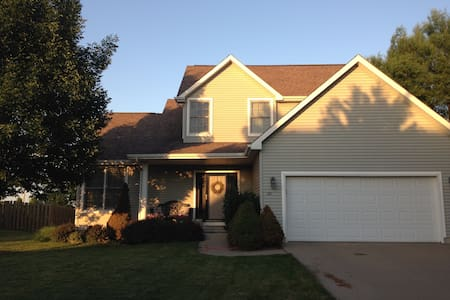 Entire Home in Family-Friendly Neighborhood - Ankeny