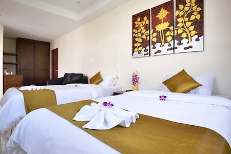 AT KAMALA Grand Deluxe Double or Twin Room only - Kathu - Apartament
