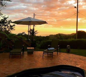 Vivir en el Tropico 3 - Ojochal - Bed & Breakfast