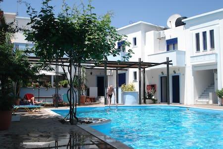 Parthenon Apartments - Anaxos Skoutarou - Apartemen
