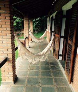 Lindo Chalé com Sauna e Lareira (São Roque) - Blockhütte