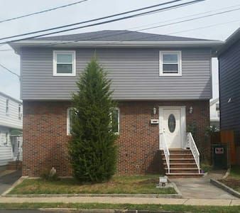 Big Apple Homestay-Home Sweet Home! - North Arlington - Ház
