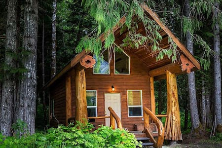 Room type: Entire home/apt Property type: Chalet Accommodates: 4 Bedrooms: 2 Bathrooms: 1