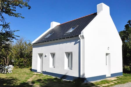 Beautiful house with garden - Le Palais