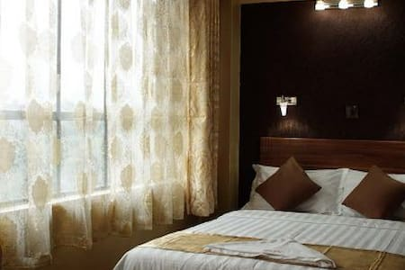 Enkare Hotel Nairobi - Bed & Breakfast