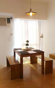 Avida Modern 1 BR w/ FREE wifiCable - Apartment