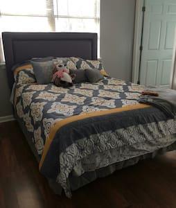 2 Bathroom, 1 Bed Condo - New Albany - Appartement