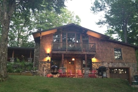 Prime location, luxury cozy home - 2 Bed/2 Bath - Lake Placid - Leilighet