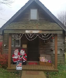Come get away at the Cedar cottage - Terre Haute - Hytte