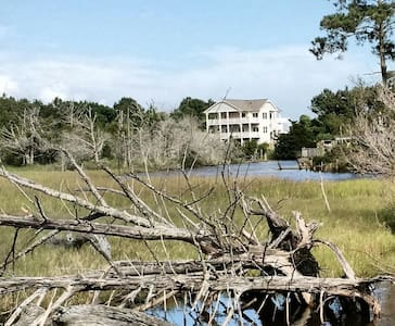 Beach house with pool on canal - Sneads Ferry - Ev