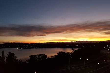 World class view in Central Canberra - Canberra - Apartment
