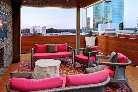 Heart of Buckhead Luxury Apartment - Atlanta - Apartment