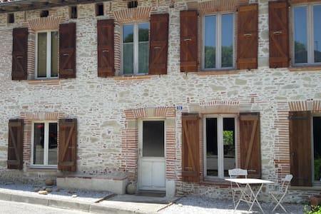 Maison en pierre - House