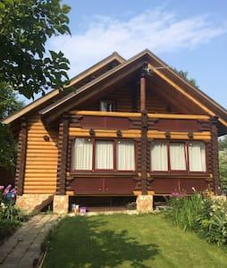 Уютный дом из бревна - Сергиев Посад - Hus