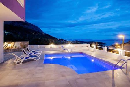 Villa Sandra with pool - Makarska