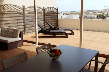 Duplex Roof Terrace Apartment  - Apartamento