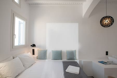 CLOE Suite - with City View-  IN Mykonos Town - Mikonos - Apartment