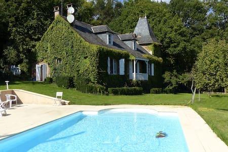 Maison de caractère dans l'Aveyron - Haus
