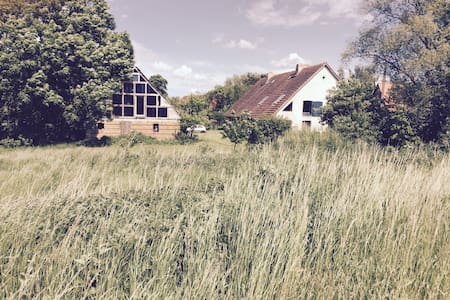 Lehmhaus in idyllischer Lage - Langen Jarchow - Szeregowiec