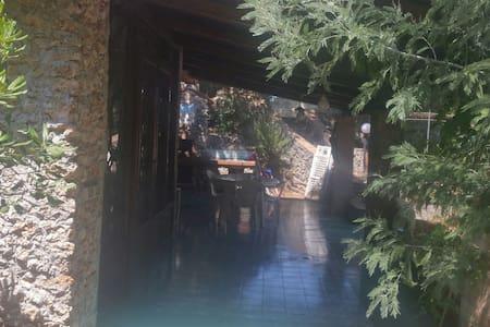 La casa di Nino e Anna ..sul mare, nel bosco - Scario - Villa