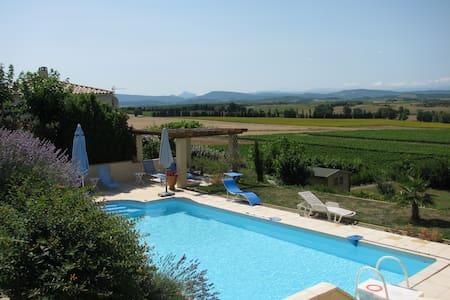 Villa met unieke ligging in de Aude - Vila
