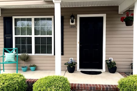 Masters Retreat: 2.5 bed, 2 bath - Townhouse