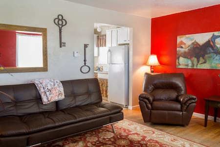 2 Bedroom Cottage Hoffman - Spokane