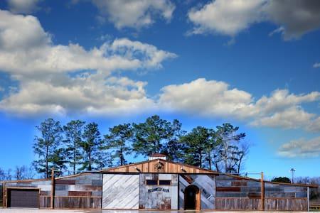 Four Pines Ranch Resort & Weddings - Crosby - Casa